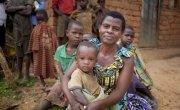 Community Health Worker Jeannette Icimanishatse with one-year-old Nadia Niyihankuye Bukinanyana, Cibitoke, Burundi. Photo: Abbie Trayler-Smith/Concern Worldwide.