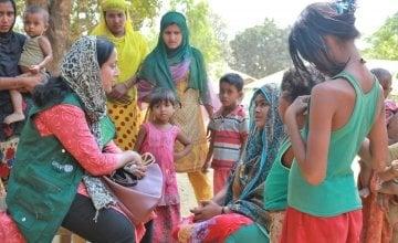 Hasina Rahman working with the community in Bangladesh. Photo: Concern Worldwide