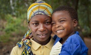 Clotilde Ndayisenga (25) with her daughter Ines Nihorimbere (5)