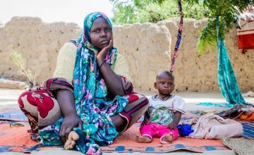 Seven month old Jasim has received treatment for malnutrition from a Concern-run health centre in Chad, pictured here with his mother Nayla Abba Yasine. Photo: Gavin Douglas / Concern Worldwide.