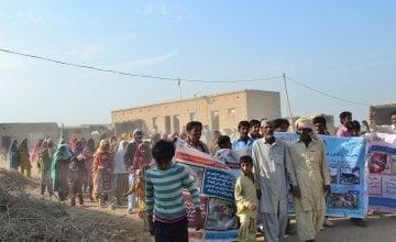 Community-Based Disaster Risk Management awareness walk in the village of Dad Pur Nawra UC Saathi, Jaffarabad. Photo: Hina Brohi/Concern Worldwide.