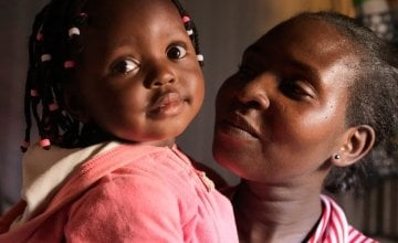 Scholastica Mbinya and her baby daughter Francisca, Kenya. Photo By Peter Caton / Concern Worldwide.