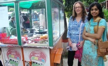 Mojar Khabar street food stall supported by Concern in Dhaka, Bangladesh. Photo credit: Concern Worldwide.