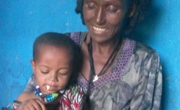 Kemueis Welde Gebriel and her grand-daughter Fre Hiluf who is just over a year. Photo: Concern Worldwide / Ethiopia.
