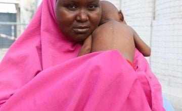 Nala pictured here with her mother Hani (23) in a Concern supported health centre in Mogadishu, Somalia