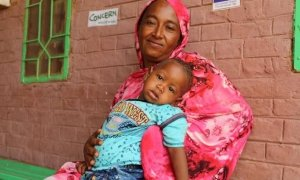Abda came with her son to Muglad hospital to participate in an awareness training on infant and young child feeding. These trainings allow mothers to learn about how to prevent malnutrition.