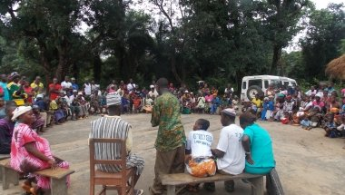 HIV and AIDS sensitisation drama in Tonkolili District, Sierra Leone, 2013. Photo: Abdul Wilson / Concern Worldwide.