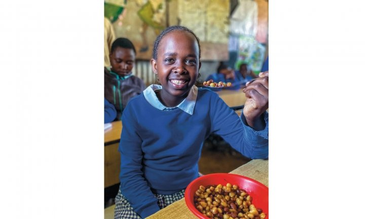 Every student at the Gatato Community School in Nairobi gets daily breakfast and lunch meals thanks to Concern. Photo: Jennifer Nolan / Concern Worldwide