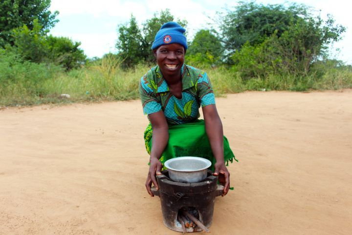 Jennifer, 48, has been able to cook more efficiently and hygienically for her five children in Malawi. Photo: Jason Kennedy / Concern Worldwide