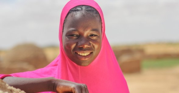 Souley Mai Daoua (17) is a member of the 'Mama Lumiere' mothers group in Niger. Photo: Jennifer Nolan / Concern Worldwide.