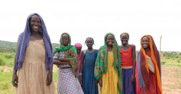 Women working in a field in Doroti Village, Chad. Photo: Lucy Bloxham / Concern Worldwide.