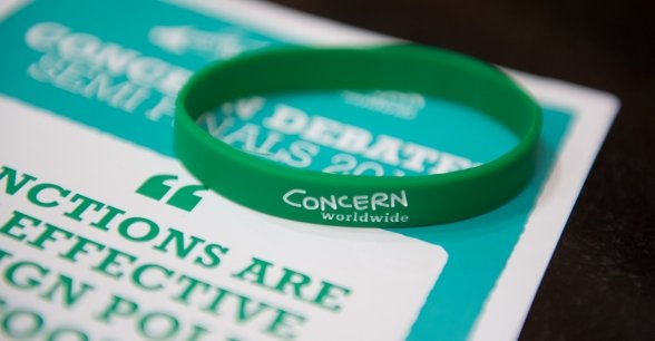 Concern Debates Leaflet and wristband. Photo: Ruth Medjber / Concern Worldwide.