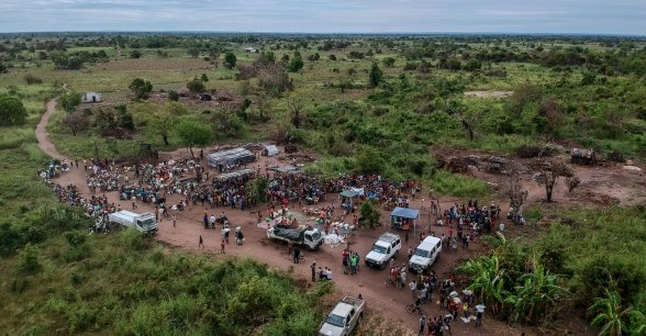 A distribution site in Ndeja, Mozambique, where people affected by cyclone Idai queue up to receive food and supplies from Concern and its Alliance2015 partners. Photo: Tommy Trenchard / Concern Worldwide.
