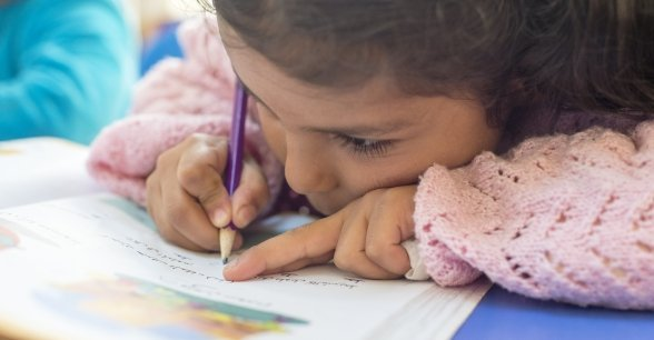 Malak, 6, learns how to read and write in Turkish as well as Arabic at one of Concern's Education Support Centres in Sanliurfa Province. Photo: Concern Worldwide.