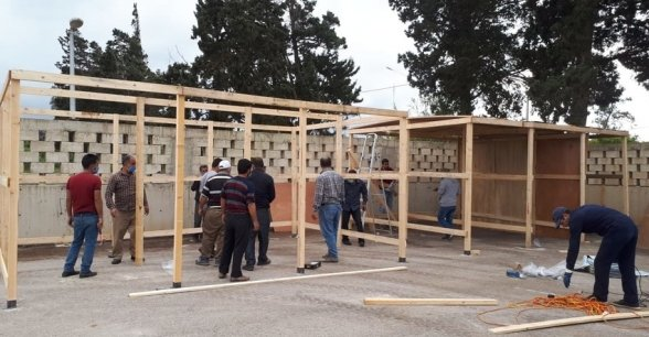 Concern Lebanon are assisting in the building of tents for suspected positive Covid-19 cases. Photo: Concern Worldwide.