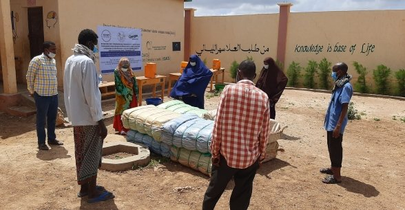 Sandbag preparations are put in place in a flood prone village in Somalia.