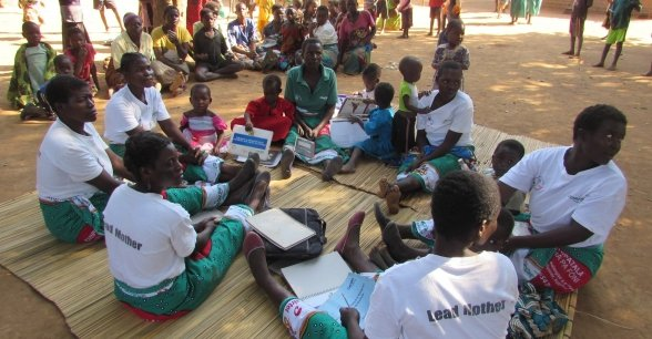 Lead mothers provide guidance to members within Concern Worldwide's care groups in Malawi. Photo: Concern Worldwide.