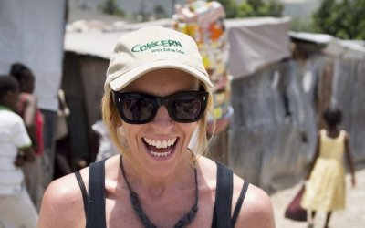 Toni Collette, Concern Worldwide's global ambassador, during a visit to a temporary displacement camp in Cité Cabrit, Port au Prince, Haiti. Concern Worldwide is helping familes to find new homes and new income generating activities. Photo: Concern Worldwide.