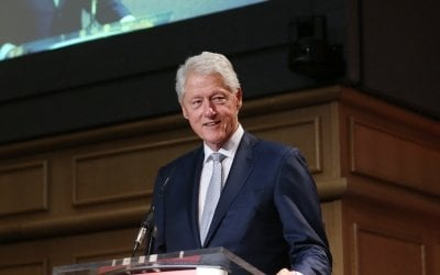 Bill Clinton addressing Concern's 'Resurge 2018' conference in Dublin Castle, September 2018. Photo: Photocall Ireland / Concern Worldwide.