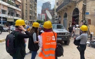 Concern staff and volunteers helping with the distribution of UNHCR's shelter kits for vulnerable communities affected by the Beirut blast. Photo: Jana Nashar / Concern Worldwide.