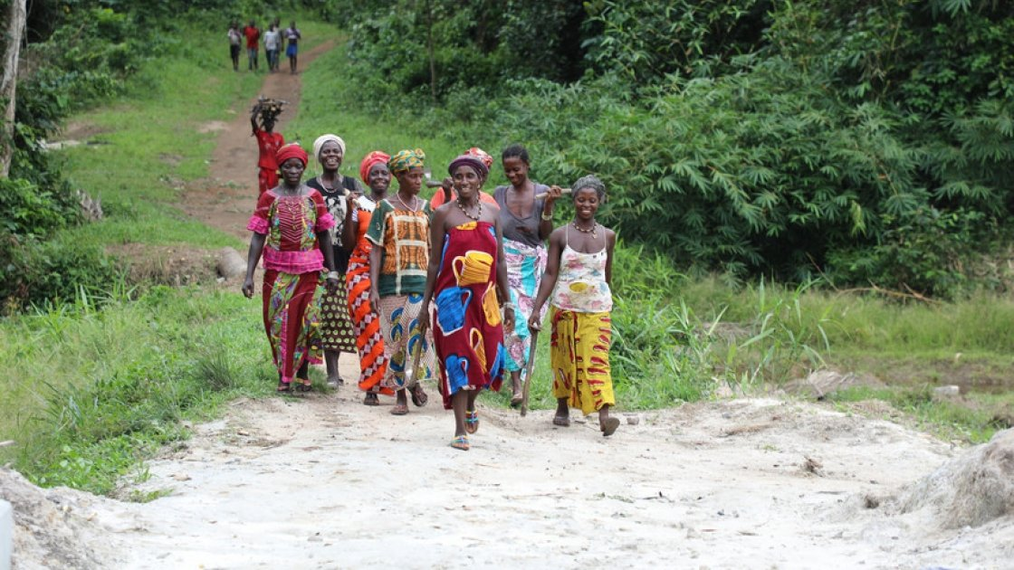 A group of women in Makelfa village, Tonkolil, Sierra Leone.