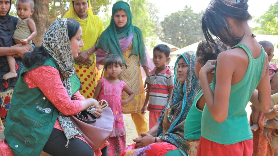 Hasina Rahman working with the community in Bangladesh. Photo: Concern Worldwide