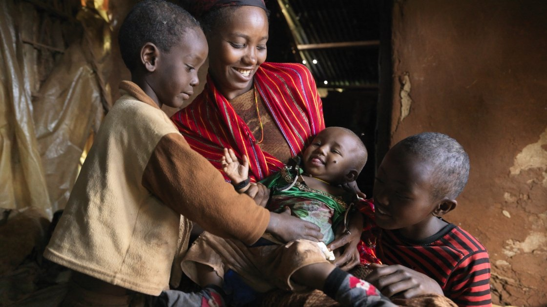 Nasibo Asuran and her children in Marsabit, Kenya. Photo: Peter Caton / Concern Worldwide.