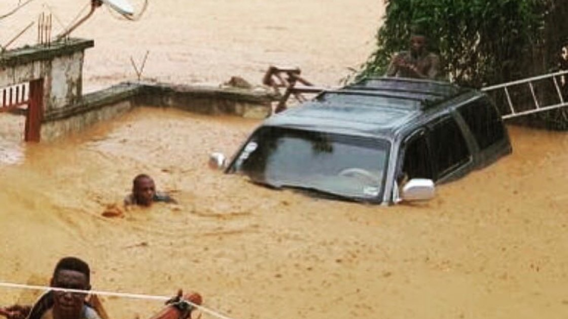People trapped in heavy floods in Freetown, Sierra Leone in August 2017.