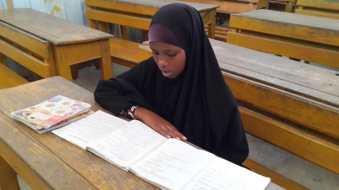 Amal Ali Ibrahim is a participant in Concern's accelerated basic education programme in Siliga IDP camp, Somalia. Photo taken by Mohamed Abdulle Farayare for Concern Worldwide.