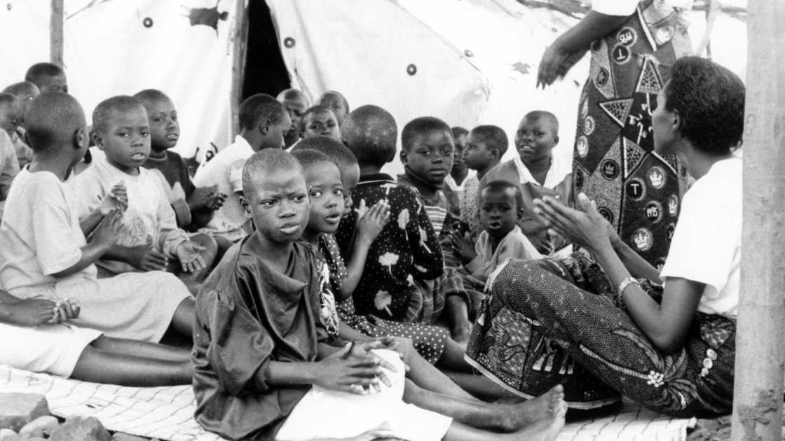 Children at the Runda transition camp in Rwanda. Photo: Concern Worldwide (1997)