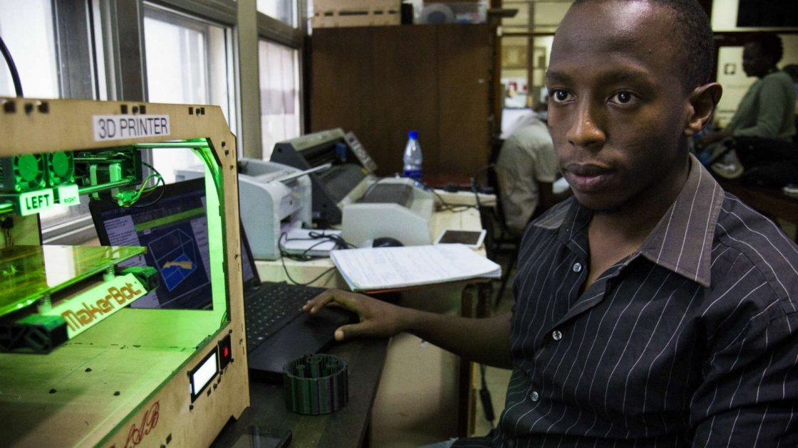 An engineering student at the University of Nairobi prototypes medical devices that could be made in Kenya at the college's FabLab. Image by Crystal Wells/Concern Worldwide.