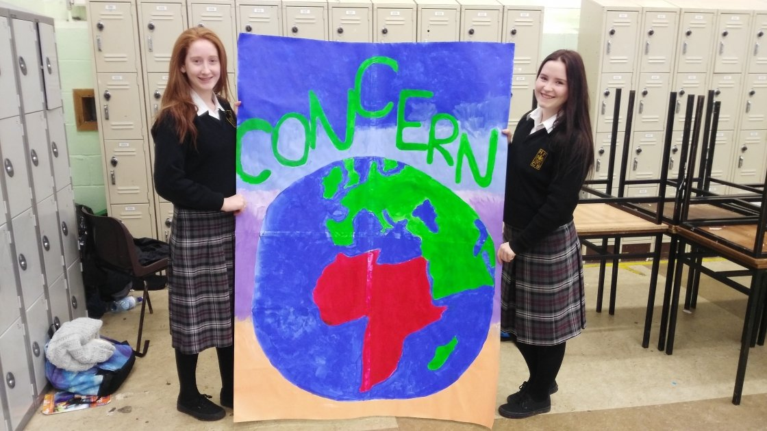 Chloe Callaghan and Maeve Dolan from Holy Family Community School, Rathcoole pictured before the 2015 Concern Fast at their school. Photo: Claire Marshall/Concern Worldwide.