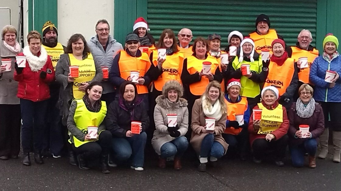 Máire Stuttard with her band of loyal fundraising volunteers in Bundoran, Co. Donegal. 2016 will be the 31st year that she has organised fundraising collections for Concern. Photo provided by Máire Stuttard.