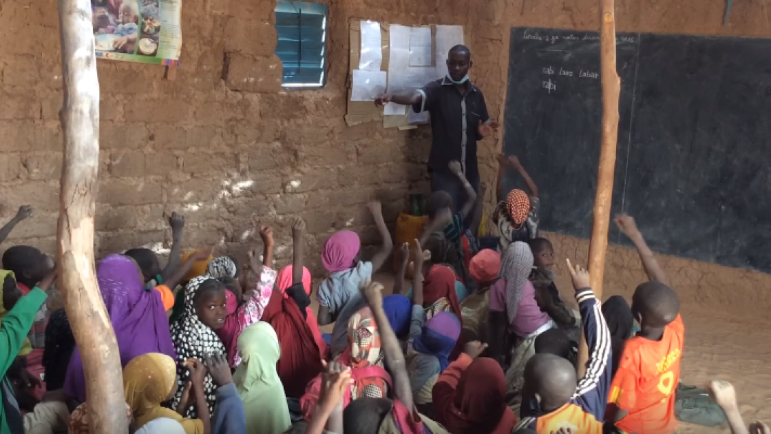 ['Education Innovation' programme in action in a classroom in Niger. Photograph taken by: Concern Worldwide.