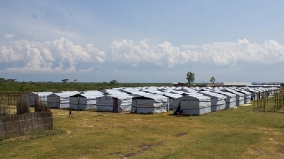 Temporary shelters in one of the camps built by the Burundian Red Cross (BRC) and International Organization for Migration camp (IOM) for those displaced by flood waters. Photo taken by Irénée Nduwayezu/Concern Worldwide.