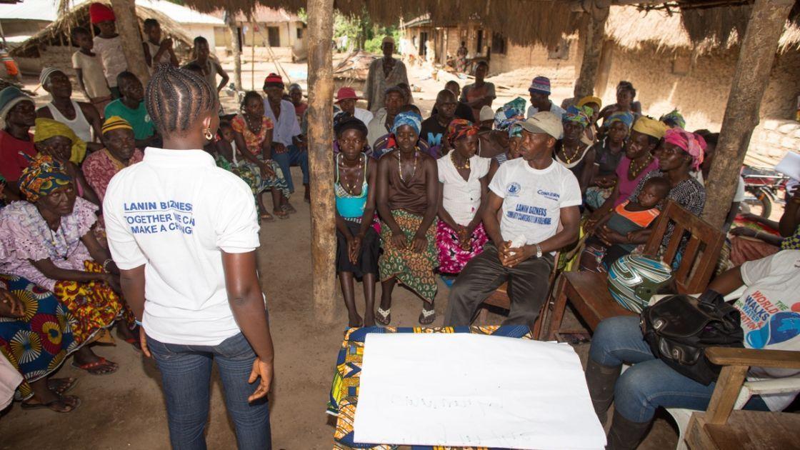 Community conversation club in Mamondor, in Tonkolili District, Sierra Leone. Photo taken by Michael Duff / Concern Worldwide 2014.