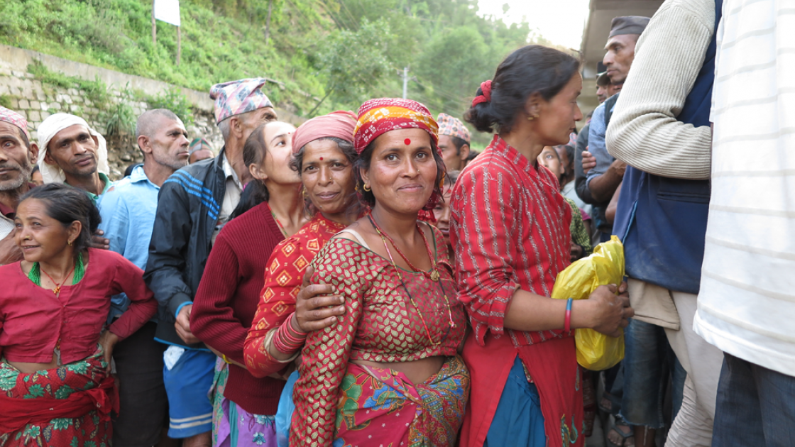 Villagers queue for relief items in the Sindhupalchok District. Photo taken by Andrea Barrueto.