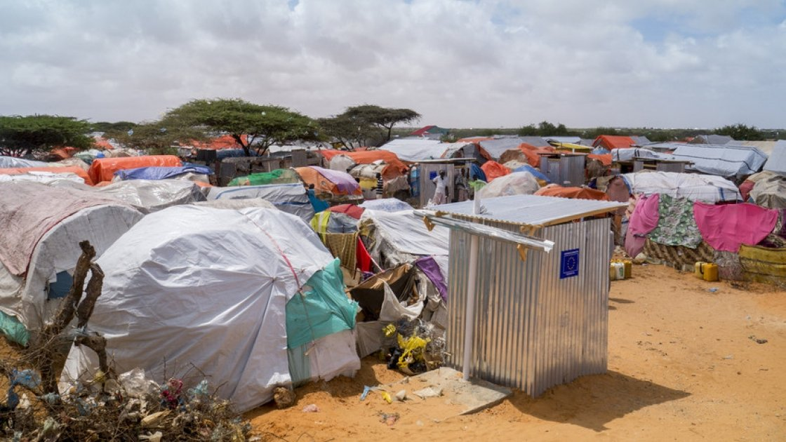 K7 camp on the Afgoye corridor outside Mogadishu, Somalia, where Concern is partnering with ECHO in water and sanitation work. Photo: Concern Worldwide.