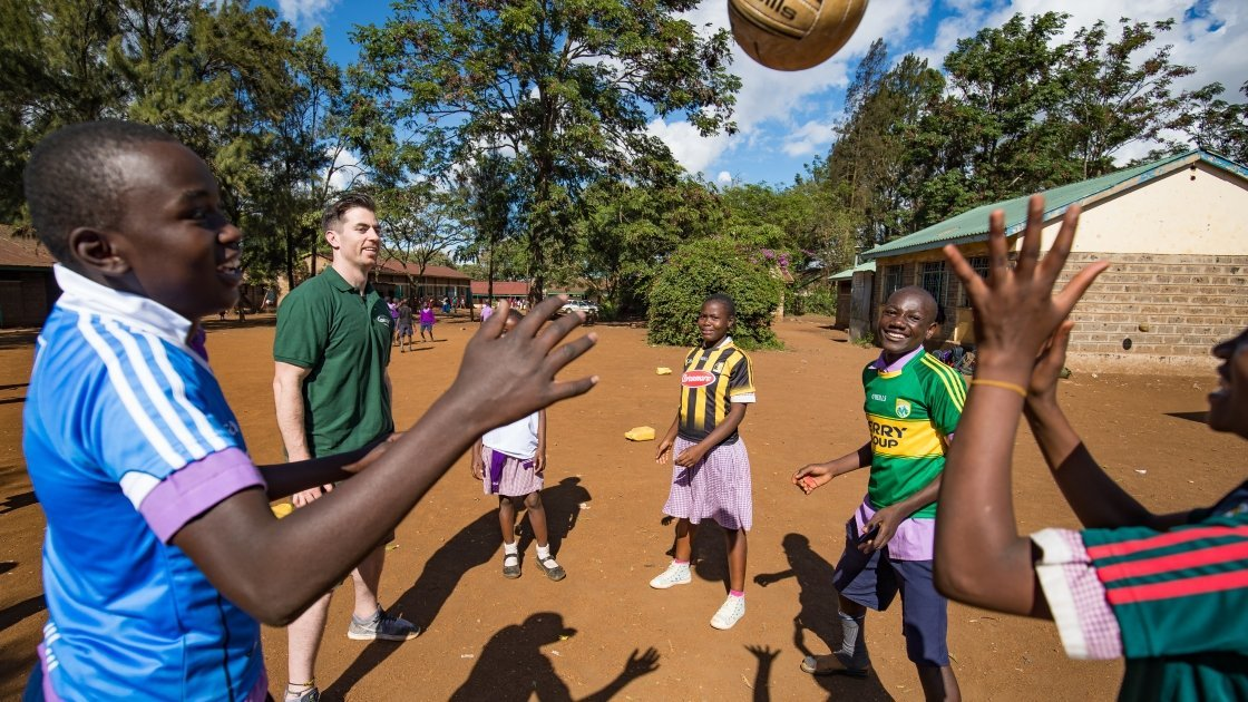 Dublin GAA Player, Michael Darragh Macauley playing games at M.M Chandaria school in Nairobi, Kenya.  Picture: Steve De Neef/Concern Worldwide