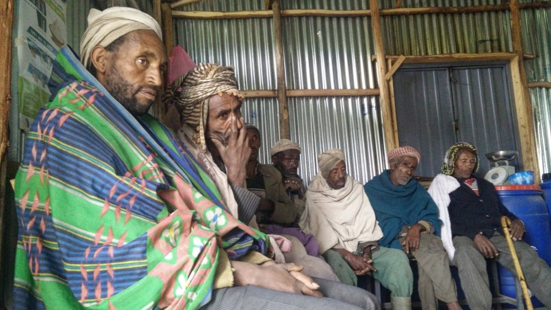 Farming communities gather together in Ethiopia. Photograph taken by Petterik Wiggers/Panos Pictures/Concern Worldwide.