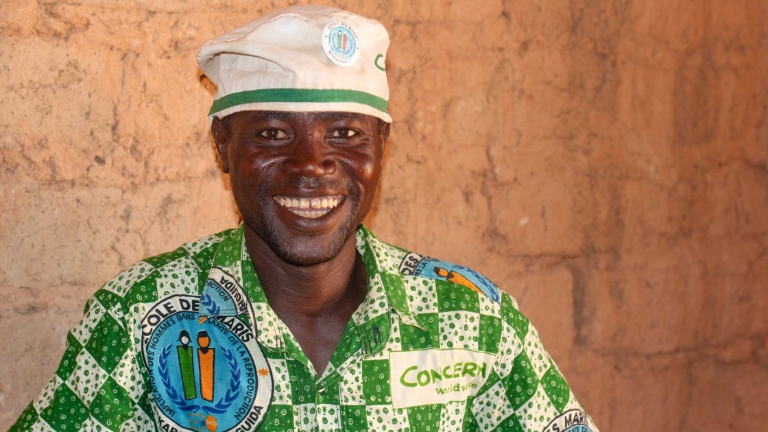 Assoumane Tssiako from Tahoua, Niger is a proud member of the Ecole des Maris. Photo: Jennifer Nolan/Concern Worldwide.
