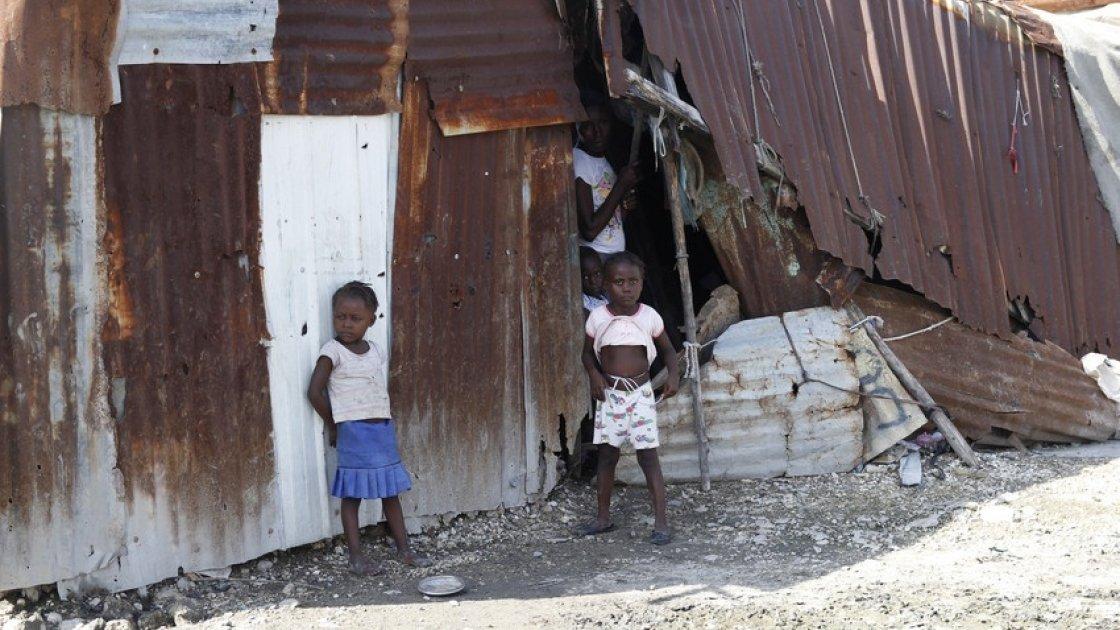 Children in Cité Soleil, Port-au-Prince, Haiti. Photo: Kristin Myers / Concern Worldwide.