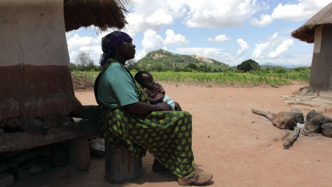 Concern beneficiary in the Eastern Highlands Region, Nyanga District, Zimbabwe. Photo: James Pursey / Concern Worldwide.