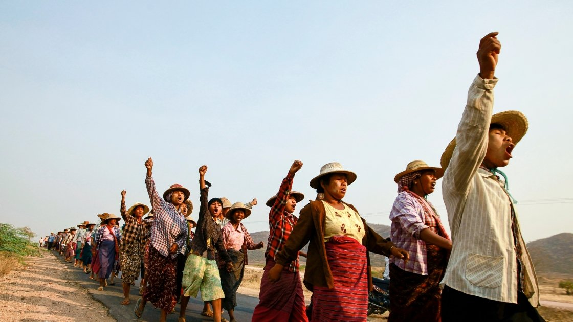 Villagers protest a copper-mine project in northwestern Myanmar that resulted in land seizures. Soe Zeya Tun/REUTERS 2013.