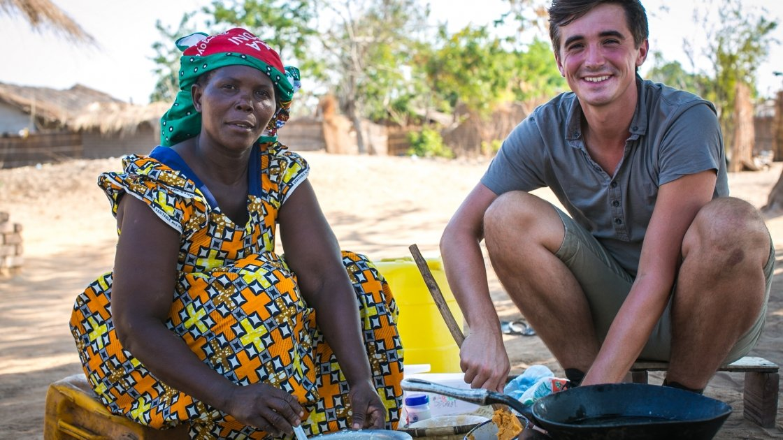 TV cook and writer Donal Skehan with Concern benficiary Fishani Nyirenda, Malengachanzi District, Malawi. Photo: Concern Worldwide.