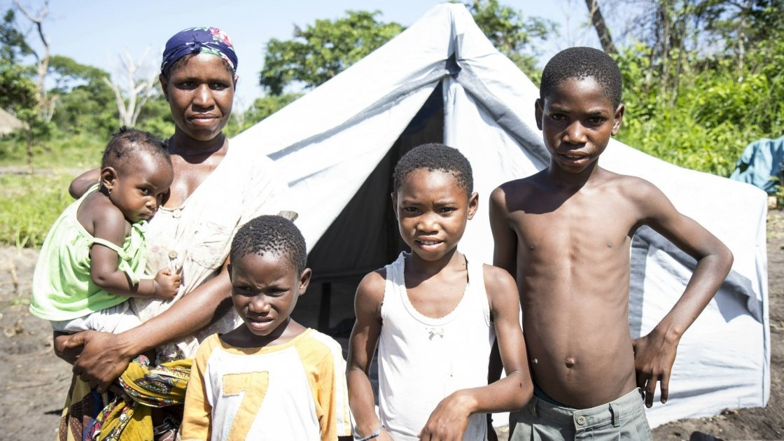 Noemia and her four children in Maganja da Costa, Mozambique, after the floods. Photo taken by Crystal Wells/Concern Worldwide