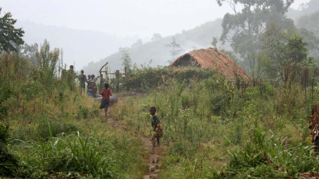 Children playing outside in DRC. Photo: Concern Worldwide.