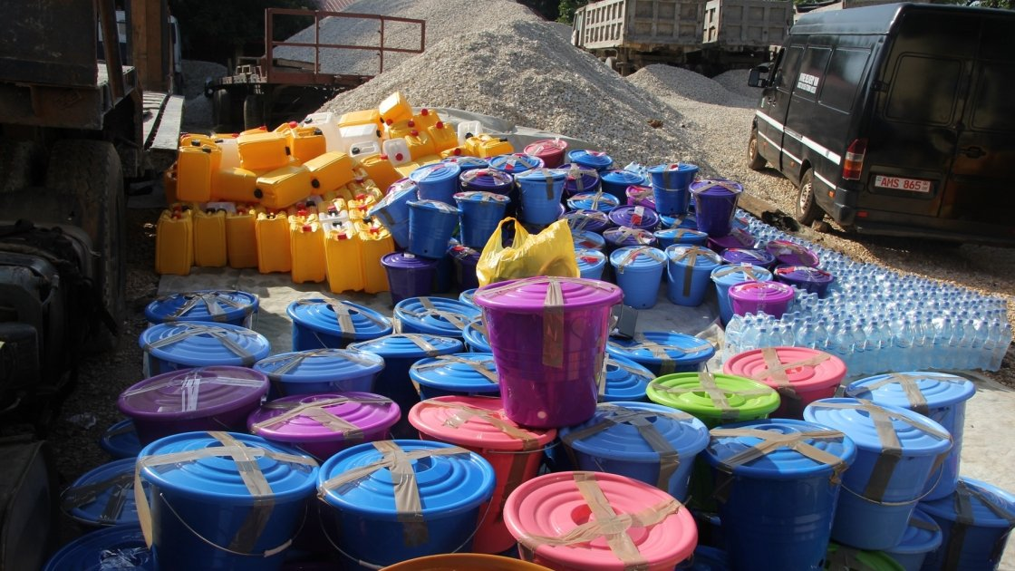 Hygiene kits ready for distribution following the 2017 mudslides in Freetown, Sierra Leone. Photo: Kristin Myers / Concern Worldwide.