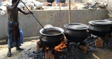 Food preparation for distribution in Cox's Bazaar