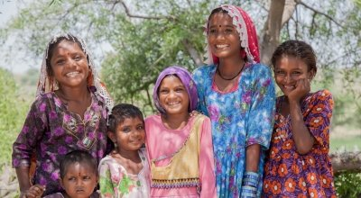 Samina, Ijna, Sita and Diya and their younger sisters from Hiklyo Bheel village. Photo: Black Box Sounds / Concern Worldwide.